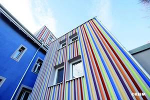 20 Jahre Farbtongarantie bei mineralischen Fassadenfarben mit Brief und Siegel